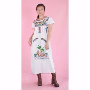 (546) VTG Mexican Embroidered Midi Dress